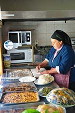 Mevrouw Anna maakt Makarounes | Karpathos Greece  Photo 1 - Photo GreeceGuide.co.uk