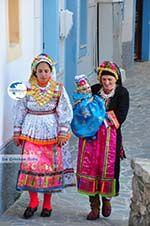 Traditionele klederdracht Olympos Karpathos   Greece  Photo 019 - Photo GreeceGuide.co.uk