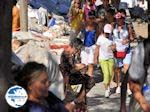 Greek tafelkleedjes and tapijten te koop - Lindos (Rhodes) - Photo GreeceGuide.co.uk