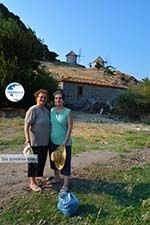 Maria Gritzeli with haar nicht Anastasta in Kontias Limnos (Lemnos) | Greece Photo 4 - Photo GreeceGuide.co.uk