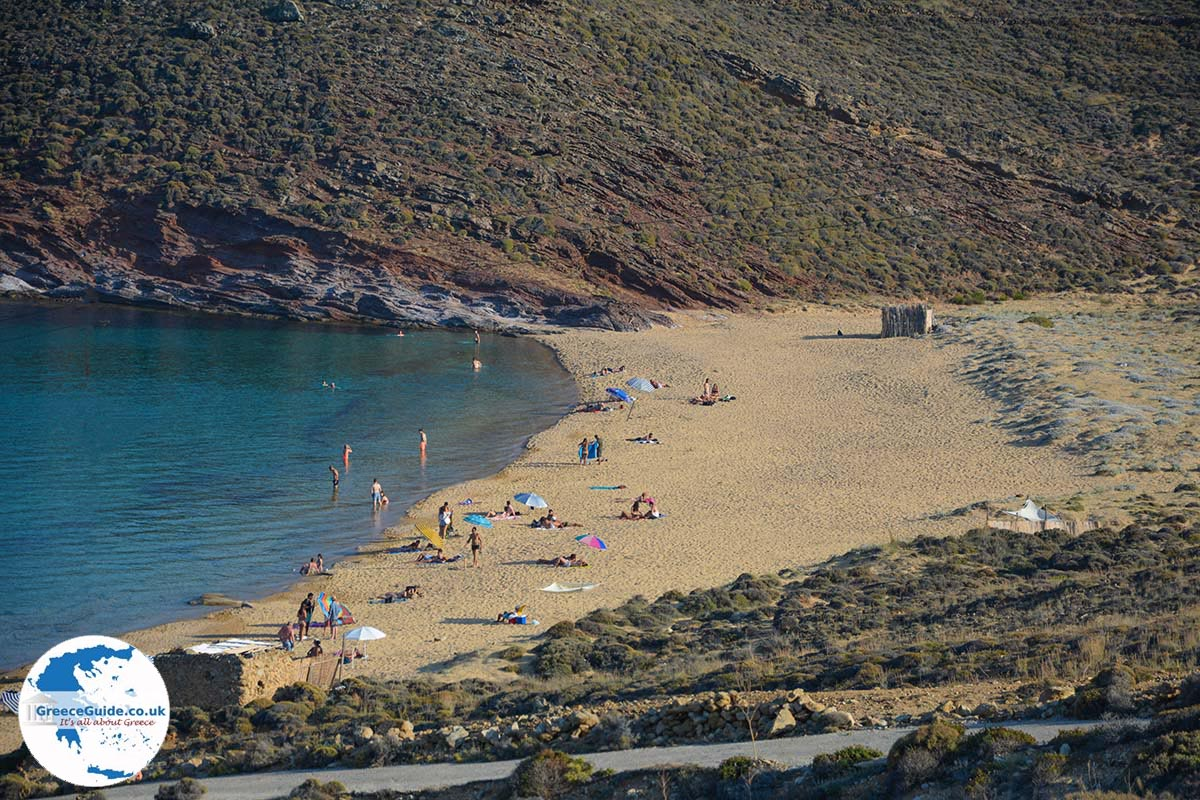 how to get to agios sostis beach from mykonos town