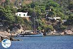 Zeilboot near Platanias on the island Skiathos - Photo GreeceGuide.co.uk